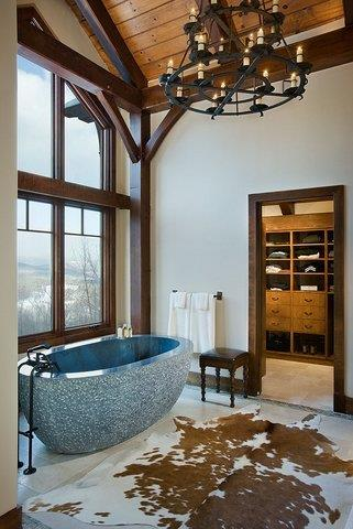 Slope Side-Tub and Walk-in closet